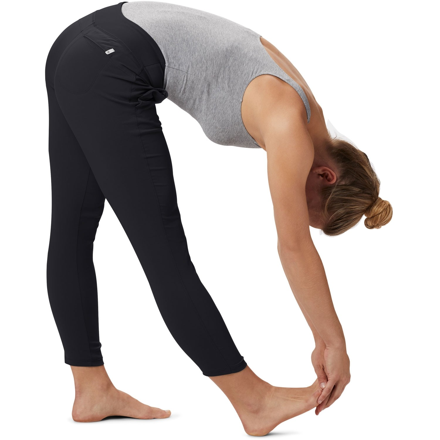 Mountain Hardwear Dynama Ankle Pants  - Black - model yoga