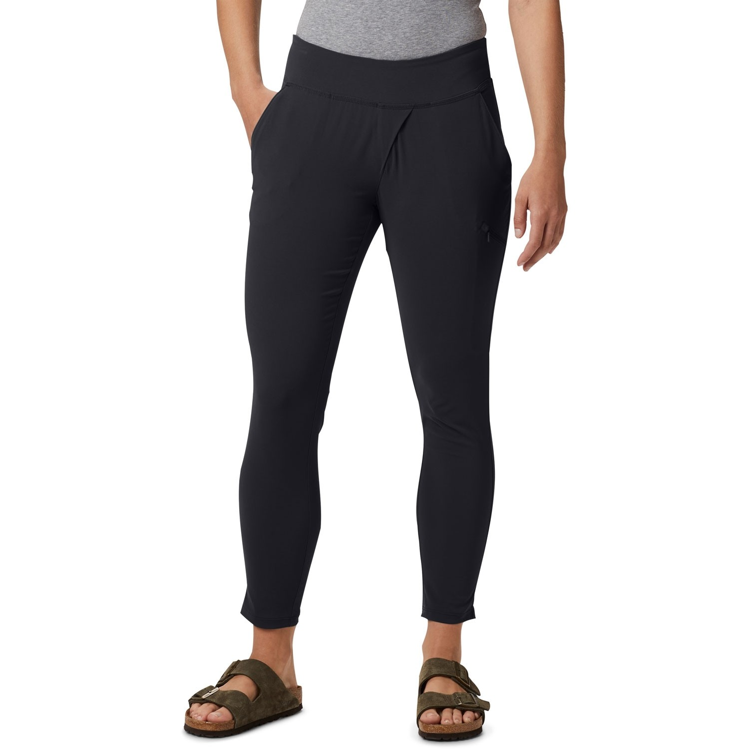 Mountain Hardwear Dynama Ankle Pants - Black - model front
