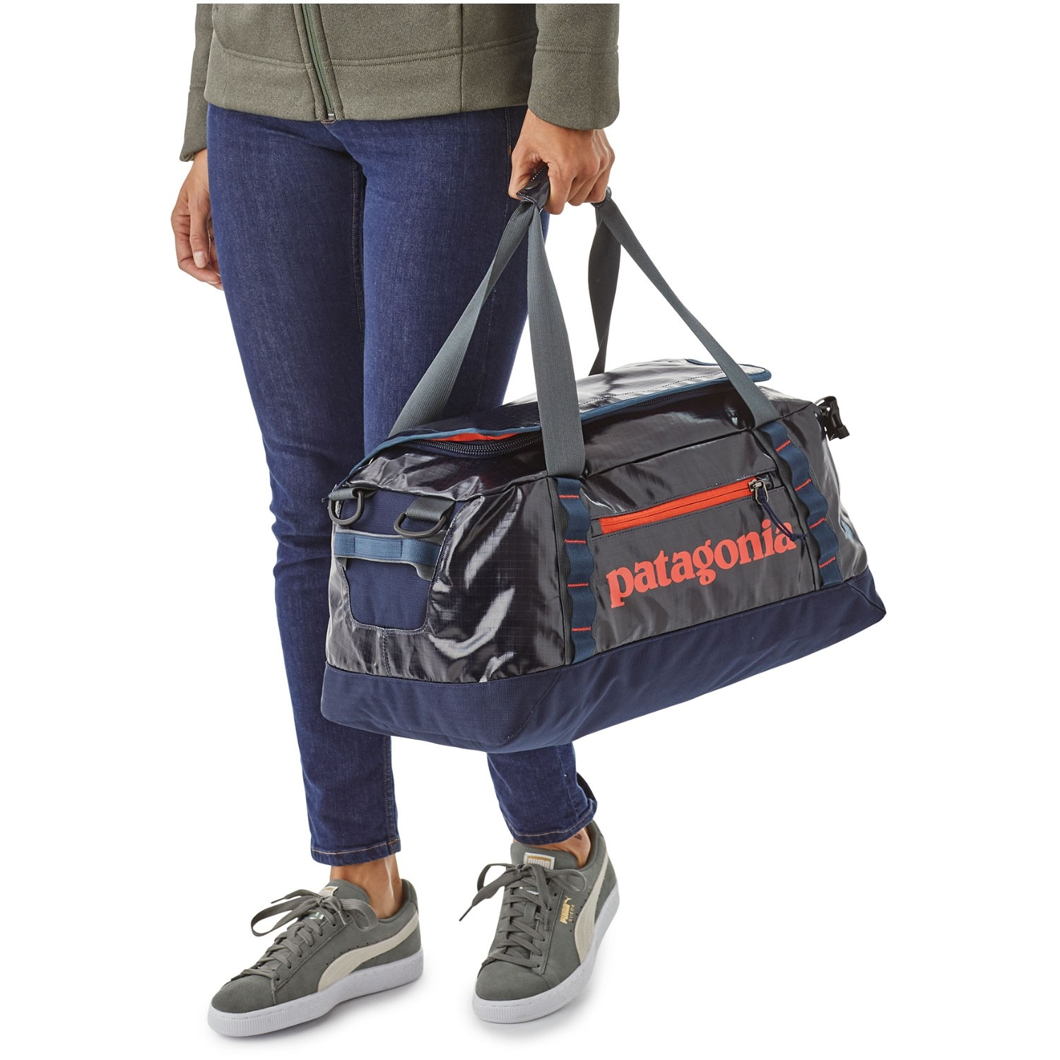 Patagonia-Black-Hole-Duffel-45L-Navy-Blue-w-Paintbrush-Red carry