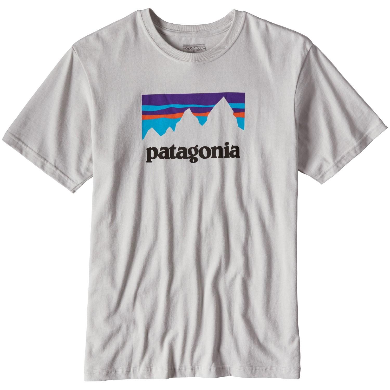 Patagonia-Shop-Sticker-Cotton-T-Shirt-Tailored-Grey-AW17.jpg
