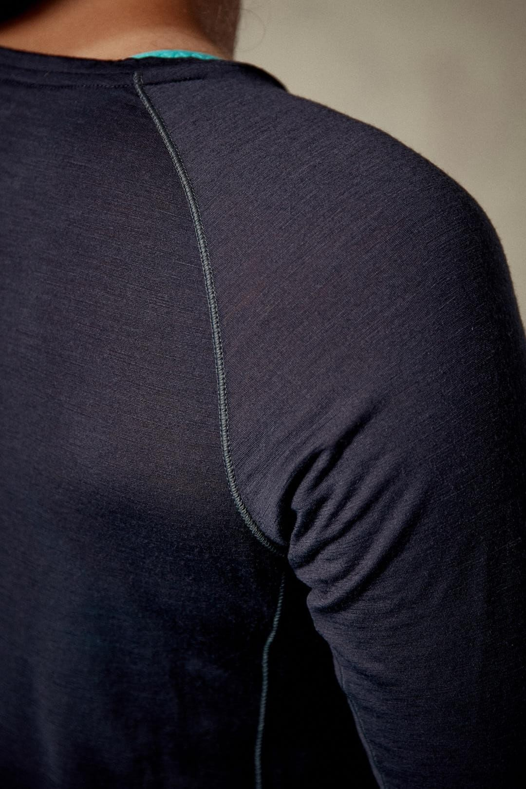 Rab Women's Merino 120 Long Sleeve Tee - Ebony