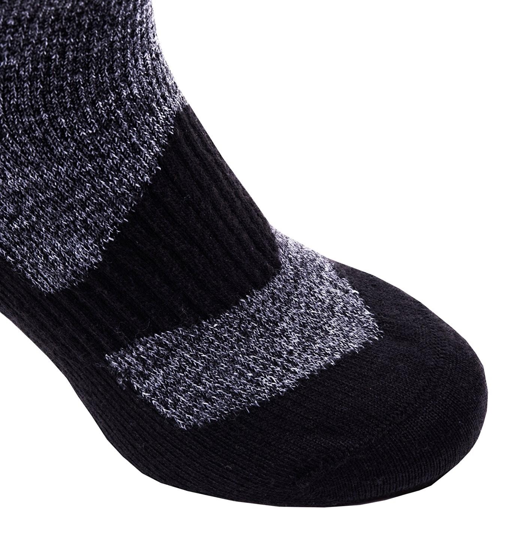 Sealskinz-Walking socks ankle-Grey-Black-closeup-W17