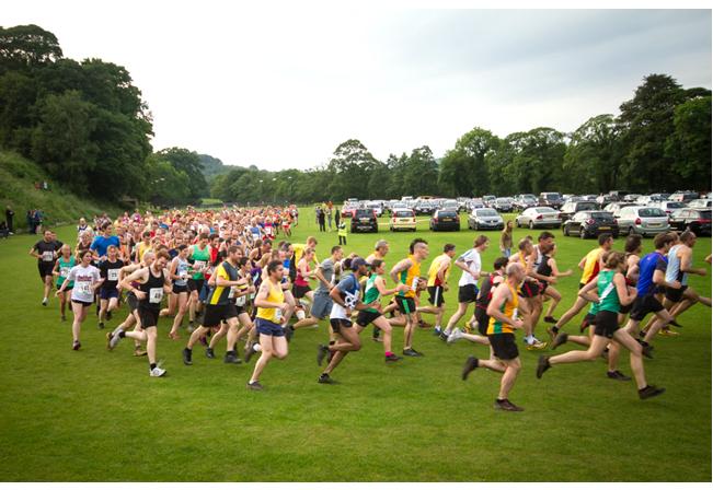 Start of the Grindleford Fell Race 2014