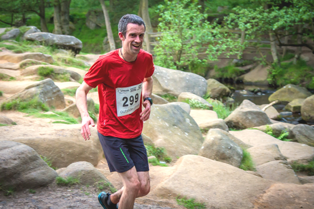 Phil Parker running the Grindleford Fell Race