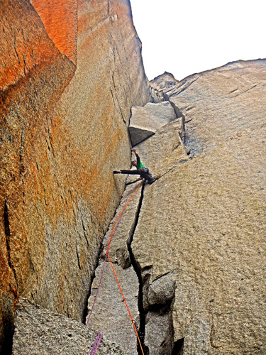 Rich on the awesome jamming cracks of État Du Choc